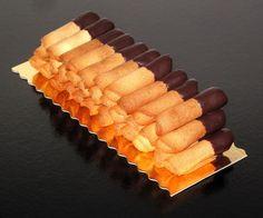 Neulas de anís con chocolate http://ricapasteleria.com/productos/pequenas-tentaciones/ www.facebook.com/RicaPasteleriaCake