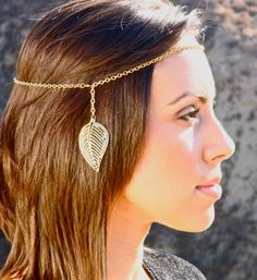 2 in 1 Head Chain. Turns into Necklace. from BrielleBelle on Etsy. Saved to Brielle Belle. Head Chain Jewelry, Hair Jewelry, Jewellery, Bohemian Hairstyles, Cool Hairstyles, Feather Headpiece, Hair Chains, Royal Jewels, Beauty Art