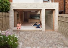 London's ever-escalating house prices, the NLA aim to inspire London residents to improve the homes they are in. Here are the winners of the best home extensions from the 2017 Don't Move, Improve! Brick Extension, Rear Extension, Glass Extension, Wraparound Extension, Extension Ideas, London Architecture, Residential Architecture, Building Architecture, Victorian Terrace
