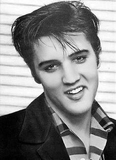Elvis And Priscilla, Lisa Marie Presley, Priscilla Presley, Graceland Elvis, Young Elvis, John Lennon Beatles, Elvis Presley Photos, Chuck Berry, Star Wars