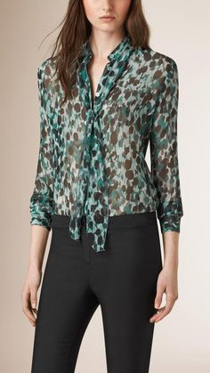 Burberry Tie Detail Patterned Silk Blouse