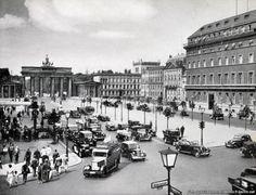 Bilderbuch Berlin - Verkehrsknoten Pariser Platz (1935)