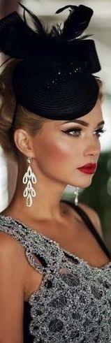 Fashion chic. Perfect lips !!!