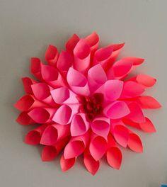 Veja aqui passo a passo como fazer uma decoração com for dália de papel
