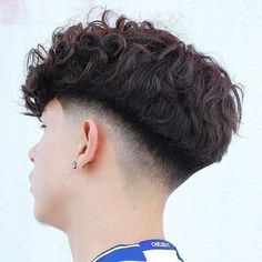 Top 15 Amazing Bowl Haircuts for Men Mens Hairstyles With Beard, Undercut Hairstyles, Haircuts For Men, Undercut Pompadour, Curly Hair Men, Curly Hair Styles, Men's Hair, Hair Maintenance Tips, Drop Fade Haircut