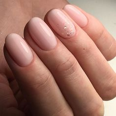 Want some ideas for wedding nail polish designs? This article is a collection of our favorite nail polish designs for your special day. Wedding Nail Polish, Wedding Nails, Cute Nails, Pretty Nails, Hair And Nails, My Nails, Soft Nails, Nagel Blog, Pin On