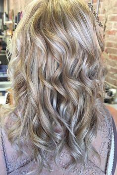 Vanilla & Ice Highlights #highlights #blondes #haircolor #vanillablonde #iceblondes #dulcebalayage #mastersofbalayage
