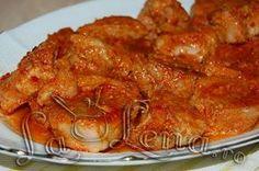 Roast pork in garlic sauce, baked - Moldovan Friptura or Pork Stew Chicken Steak, Meat Steak, Pork Recipes, Chicken Recipes, Cooking Recipes, A Food, Food And Drink, Pork Stew, Romanian Food