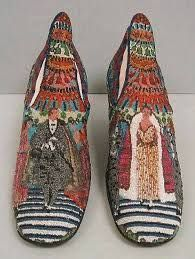 1924 Paul Poiret 'Le Bal' silk, glass bead and leather shoes. Paul Poiret, Mode Vintage, Vintage Shoes, Vintage Outfits, Vintage Fashion, Moda Fashion, Fashion Shoes, Womens Fashion, Girl Fashion