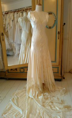 1930s Wedding, Vintage Style Wedding Dresses, Top Wedding Dresses, Wedding Styles, Wedding Gowns, Wedding Ideas, Fairy Wedding Dress, Amazing Wedding Dress, Fantasy Gowns