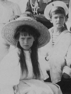 Romanov family, Grand Duchess Anastasia and Tsarevich Alexei, Tsar Nicolas, Tsar Nicholas Ii, Familia Romanov, Romanov Sisters, Anastasia Romanov, Grand Duchess Olga, House Of Romanov, Alexandra Feodorovna, Imperial Russia