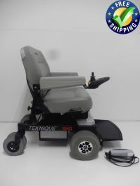 This Hoveround Teknique XHD power chair is in Like New Condition and was only used for 3 to 6 Months. The Hoveround Teknique XHD comes with a 23 x 18 seat, has HD Motors, includes the charger and was made in the USA. Powered Wheelchair, Power Wheels, Types Of Flooring, Hallways, Chair Design, 6 Months, Compact, Chairs, Plate