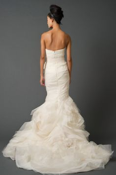back view of the mermaid Vera Wang dress i just pinned. (Gemma Gown)