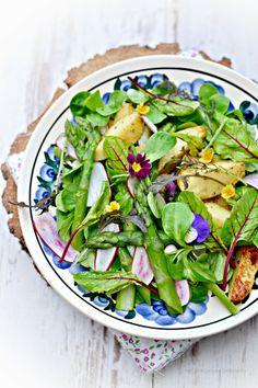 Smaki Alzacji : Nowalijkowa sałata.. na obiad:)