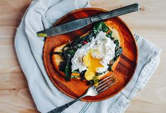 6. Poached Eggs and Rainbow Chard on Toast #easy #dinner #recipes http://greatist.com/eat/food-blogger-quick-dinners