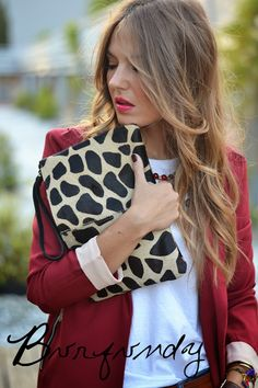 BURGUNDY – Mi Aventura Con La Moda Fashion Blogger Style, Fashion Bloggers, City Style, Style Me, Estilo Blogger, Current Fashion Trends, Burgundy Wine, Trending Fashion, Oxblood