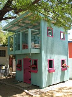 play house with playful color. Pink green combination nd the hue creates happier environment.