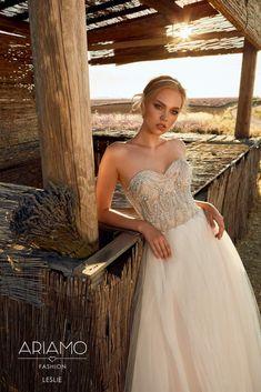 d8fd178091bb Sexet brudekjole med corset. Www.brudekjolerr-weddingdeluxe.dk   weddingdeluxe  weddingdress