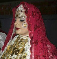 Nuse Kerçovarë. Albanian Albanian Culture, Costumes Around The World, Folk Costume, Ethnic Fashion, Prompt, Tatting, Wedding Day, Drawing, Clothes