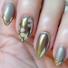 21 Silver Nail Ideas > CherryCherryBeauty.com