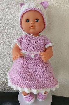 Haakpatroon voor een Baby Born jurk. Het haakpatroon is geschikt voor een Baby Born jurk 40 en 43 cm. *Dit is alleen het haakpatroon, niet het eind product* In het patroon staan duidelijk de benodigde materialen beschreven. Het patroon is uitgeschreven en tevens is waar nodig