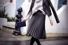 midi skirt plissè - Cerca con Google Fall Winter Outfits, Winter Fashion, 2015 Fashion Trends, Minimal Outfit, Pleated Midi Skirt, Midi Skirts, Business Dresses, Mode Style, Plus Size Fashion