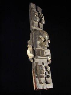 Crest anthropomorphic mask - Ethnic Idjo - Nigeria - Africa - Subject No. 108 - Galerie Bruno Mignot