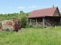 Old Dodge in Hillbilly state, Arkansas, we took the back road on our way to KANSAS