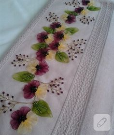 This Pin was discovered by hül Hand Work Embroidery, Silk Ribbon Embroidery, Hand Embroidery Patterns, Floral Embroidery, Crochet Patterns, Sewing Art, Ribbon Work, Flower Tutorial, Fabric Flowers