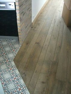 Sols on pinterest ile de france cement tiles and cuisine - Separation parquet carrelage ...