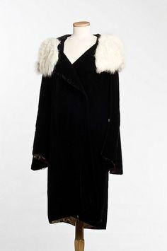 Rabbit-fur trimmed velvet coat, Lord & Taylor, c. 1931.