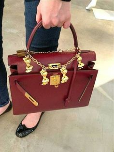 #hermes #designerbags #accessories #bags #red #pretty #nice #fashion #style #expensivetaste