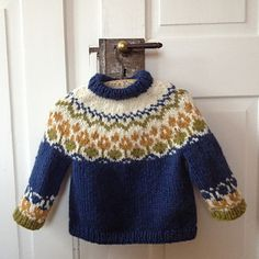 Alva is an icelandic inspired sweater knitted with the icelandic yarn Alafoss Lopi. It only comes in size 3 years for now, but I might add other sizes Baby Sweater Knitting Pattern, Fair Isle Knitting Patterns, Knit Patterns, Knitting For Kids, Free Knitting, Ravelry Free Patterns, Icelandic Sweaters, Toddler Sweater, Baby Sweaters