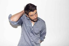 """iZombie Star Robert Buckley Plays A Hilarious Game Of """"Would You Rather"""""""