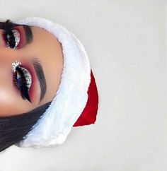 18 Christmas Makeup Inspiration For Your – Fashiotopia 18 Christmas Makeup Inspiration For Your – Fashiotopia,M a k e U p Related posts:Black Swan Costume Makeup Ideas - MakeupEye Makeup Eye Makeup Tips For. Glam Makeup, Cute Makeup, Gorgeous Makeup, Skin Makeup, Eyeshadow Makeup, Awesome Makeup, Eyeshadow Ideas, Eyeshadows, Make Up Christmas