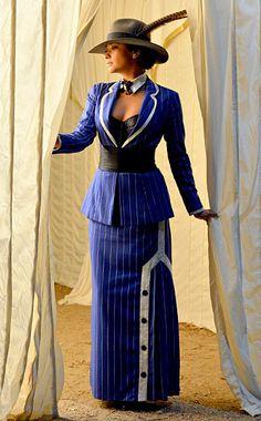 023e2990488 Emily Pretty Little Liars Costumes