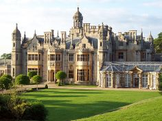Harlaxton College, Grantham, England I studied there Fall Beautiful Castles, Beautiful Buildings, Beautiful Places, Dream Home Design, House Design, English Manor Houses, English Castles, Dream Mansion, Castle House