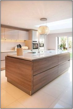 There is no question that designing a new kitchen layout for a large kitchen is much easier than for a small kitchen. A large kitchen provides a designer with adequate space to incorporate many convenient kitchen accessories such as wall ovens, raised. Kitchen Interior, New Kitchen, Kitchen Grey, Rustic Kitchen, Minimal Kitchen, Kitchen Hacks, Modern Kitchen Ovens, Closed Kitchen, Neutral Kitchen