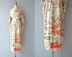 Kimono de seda Hana No Nami   kimono vintage de los años 1950   furisode kimono de seda floral años 50