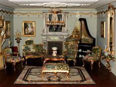 salon Tiny World, Victorian Dolls, Miniature Rooms, Barbie Furniture, Dollhouses, Vignettes, Dollhouse Miniatures, Family Room, Custom Design