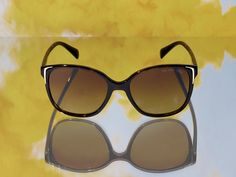 Look good wherever you go in stunning Prada shades from the Sunglass Hut best sellers selection. Dope Fashion, Womens Fashion, Fashion Tips, Fashion Trends, Cat Eye Sunglasses, Sunglasses Women, Shades For Women, Sunglass Hut, Cool Things To Buy