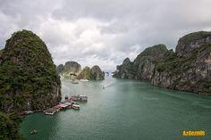 Ha Long Körfezi ya da herkesin daha çok İngilizce ismini kullandığı gibi Ha Long… Ha Long Bay, River, Outdoor, Outdoors, Rivers, The Great Outdoors