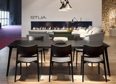 Is black the new black? Here STUA Laclasica chair and Lau table in the last Salone. LACLASICA: www.stua.com/design/laclasica