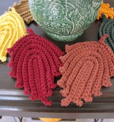 BellaCrochet: Autumn Leaves Dish Cloth and Hot Pad: A Free Pattern for you~I have got to crochet these.