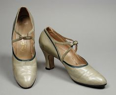 1929, America - Pair of Woman's Pumps by City Paris - Leather, metal