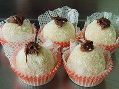 Mini bombom de leite ninho com nutella #confeitariapolos #goiania (em Polos Pães e Doces)