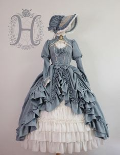 - - (Special Dress Length) Henrietta -Britain's Moonlight- Vintage Classic Lolita OP Dress Source by T_Armstrong Old Fashion Dresses, Old Dresses, Pretty Dresses, Vintage Dresses, Beautiful Dresses, Vintage Outfits, Victorian Gown, Victorian Fashion, Victorian Gothic