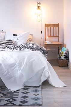 NO HOME WITHOUT YOU » DIY PAINTED PILLOW CASES