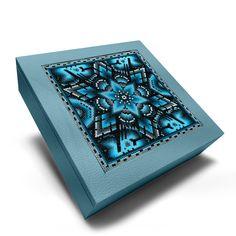 A+A Caja cuadrada grande con huichol