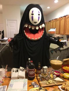 I want to eat everything!! (No Face Halloween Costume)